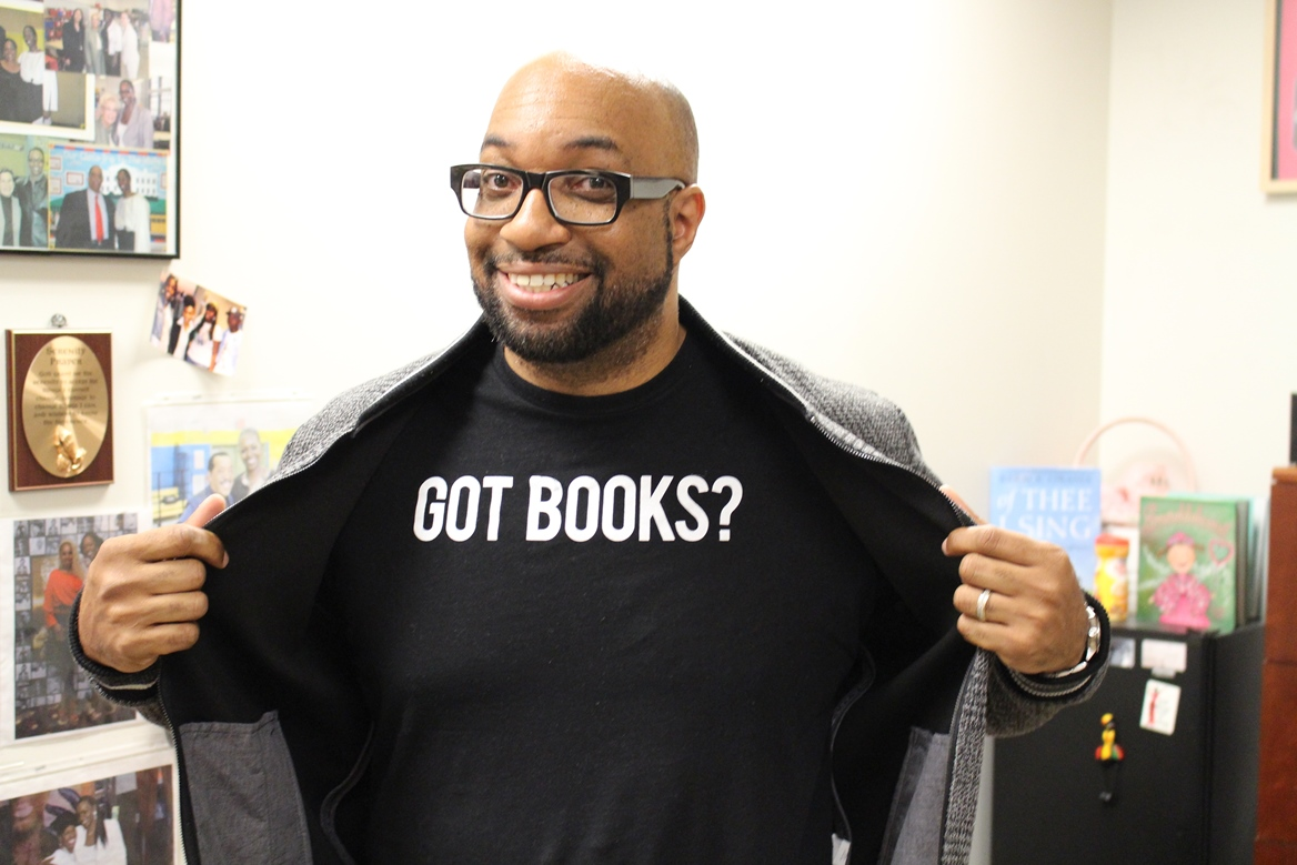 Kwame Alexander: Books Should Be Both Mirrors and Windows | Queens Public  Library